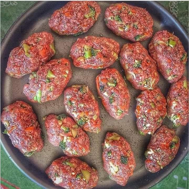Almôndegas para iniciantes de cozinha muito fácil e simples de preparar