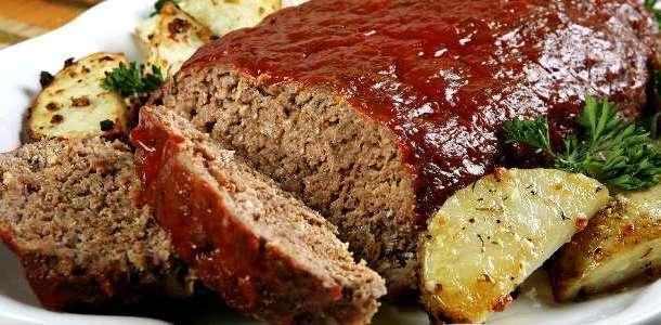 Bolo de carne moída no forno fácil e prático
