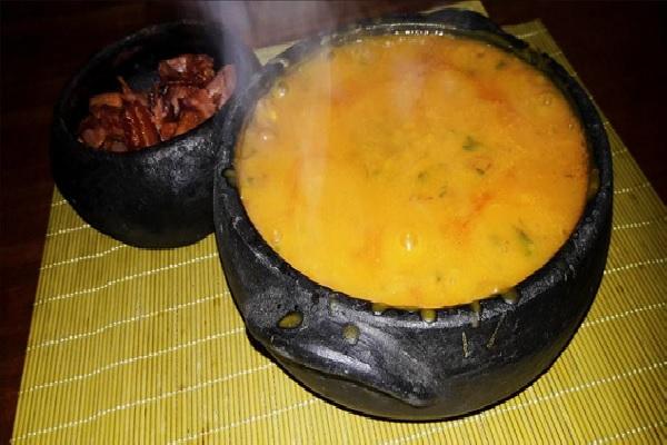 Caldo de abóbora com carne seca ideal para aquele almoço especial