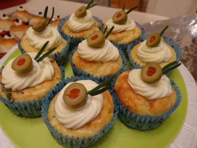 Cupcake salgado de peito de frango e palmito