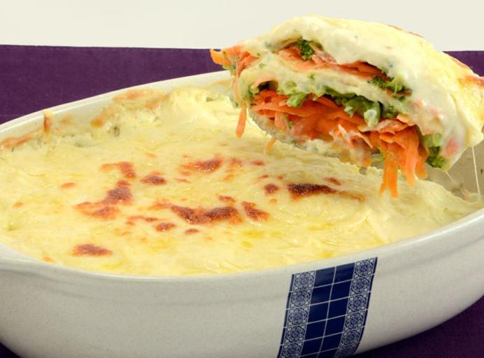 Lasanha de brócolis e cenoura muito fácil de fazer e saborosíssimo para comer