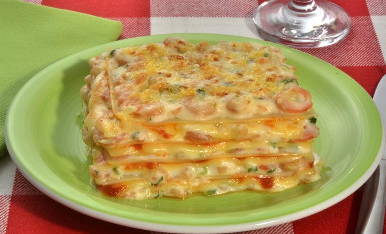 Lasanha de camarão caseiro delicioso