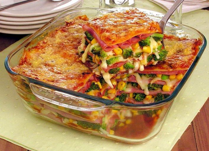 Lasanha de lombinho brócolis e milho simples de fazer e delicioso na hora de comer
