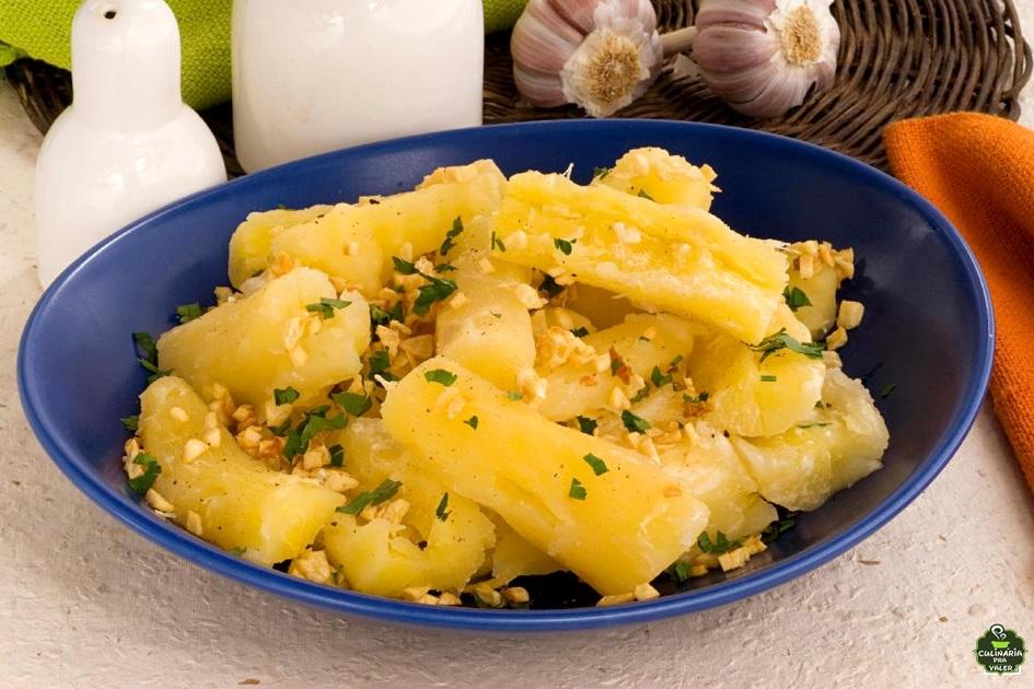 Mandioca ou aipim cozido simples e todo saboroso
