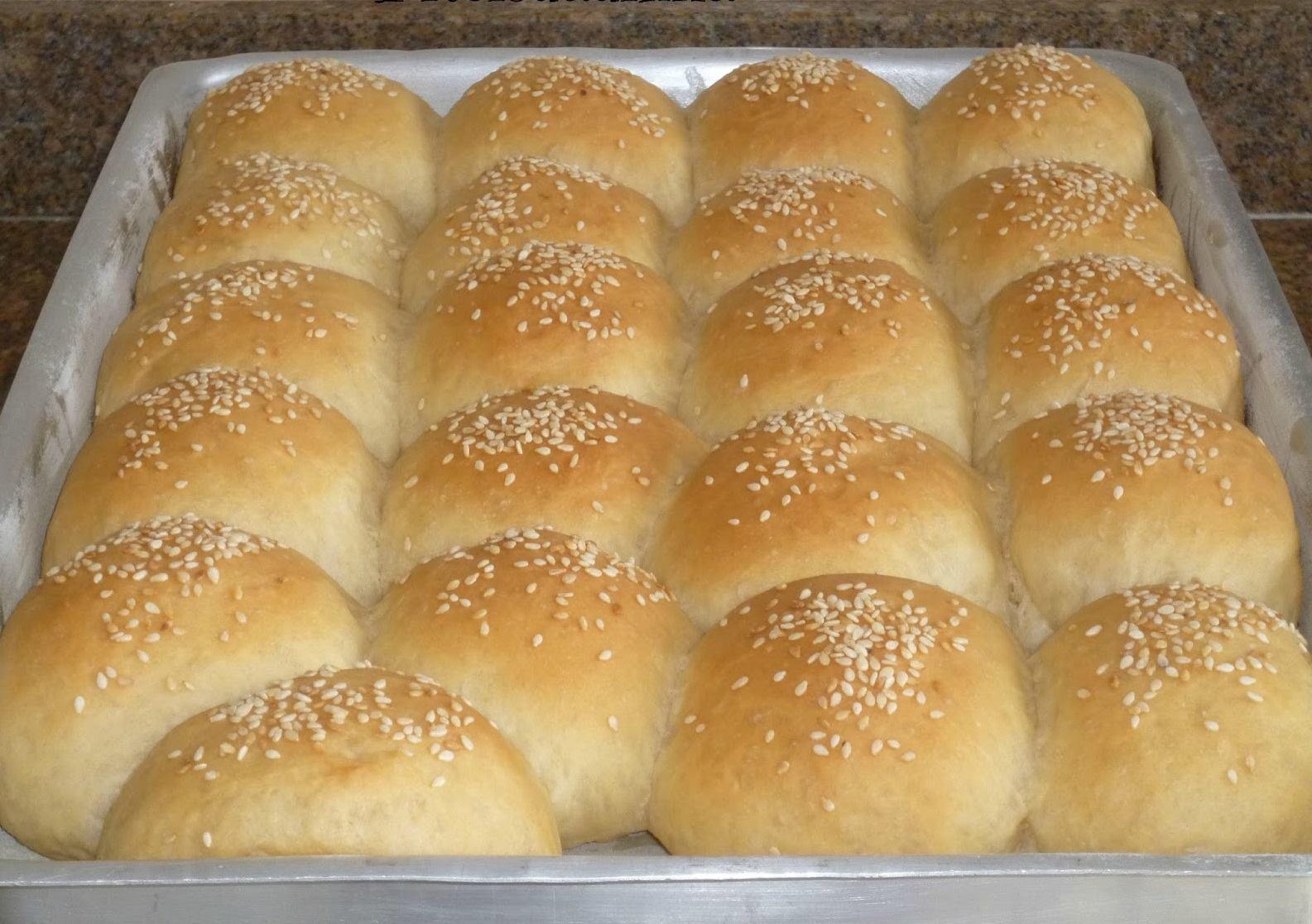 Pão de hambúrguer caseiro e muito fofinho você vai amar