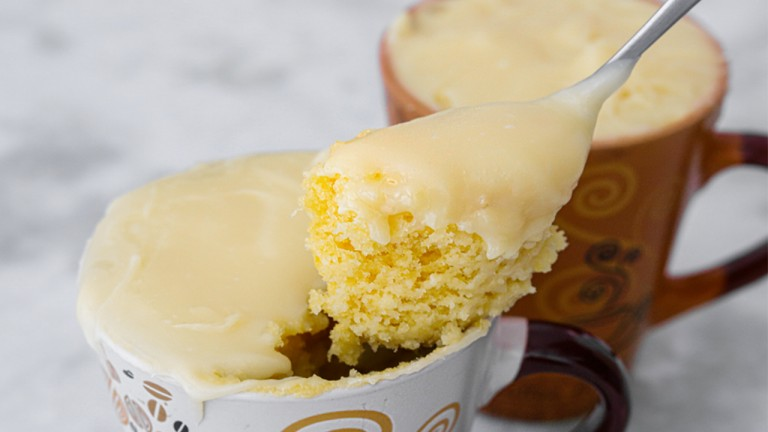 Receita de bolo de caneca fofinho em menos de 5 minutos