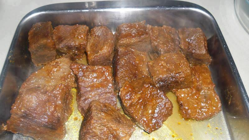 Receita de carne de panela de pressão em cubos simples