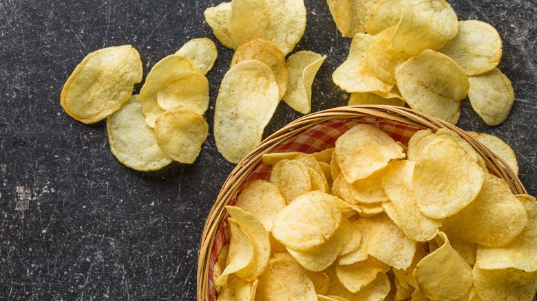 Receita de chips de batata no microondas