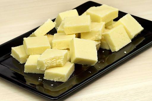 Receita de doce de leite em pó em quadradinho com apenas 4 ingredientes muito fácil
