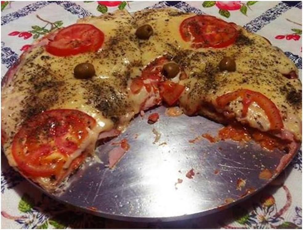 Receita de pizza de pão de forma caeiro fácil