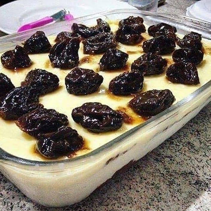 Receita deliciosa de pavê de ameixa fáci