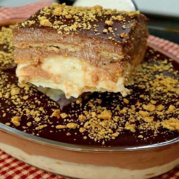 Sobremesa gelada fácil de amendoim