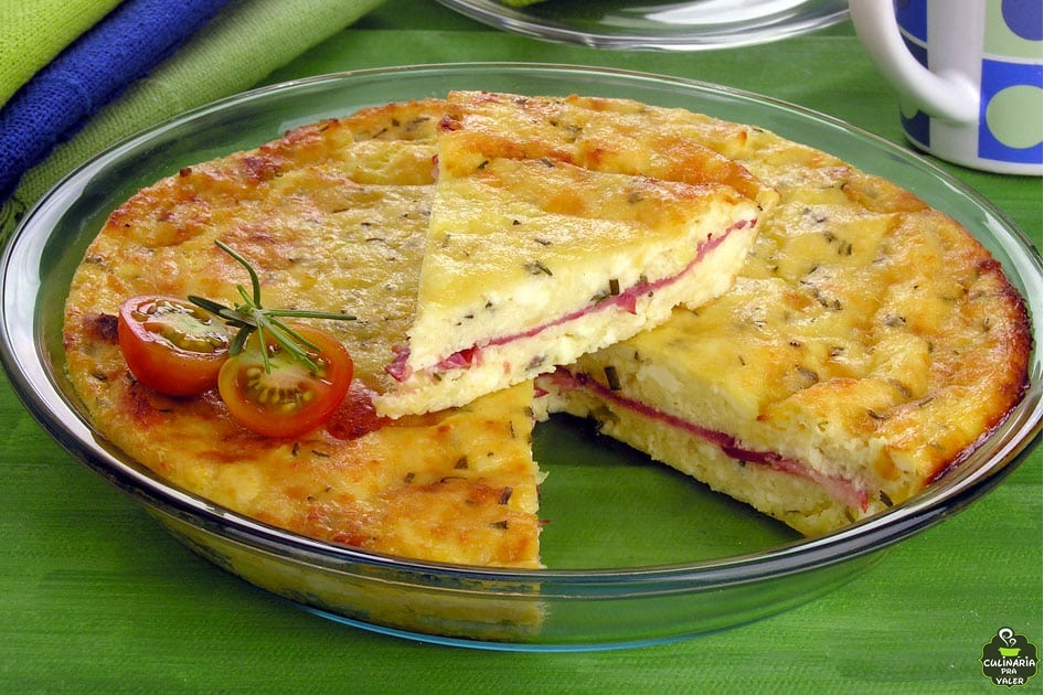 Torta suflê de queijo e alecrim que encanta a todos os paladares