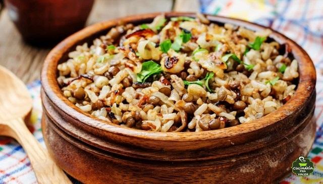 Arroz com lentilha é fácil rápido saudável e muito saboroso