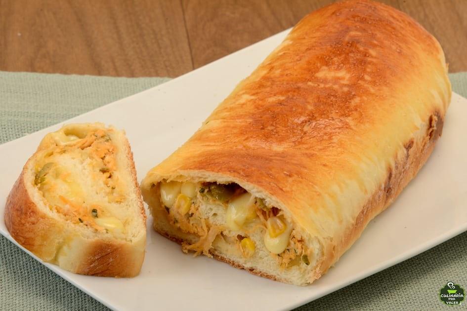 Pão recheado de frango e queijo muito bom