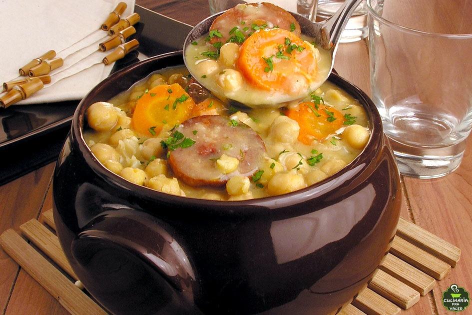 Sopa de grão de bico colorida