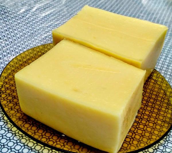 Queijo de manteiga muito fácil e prático