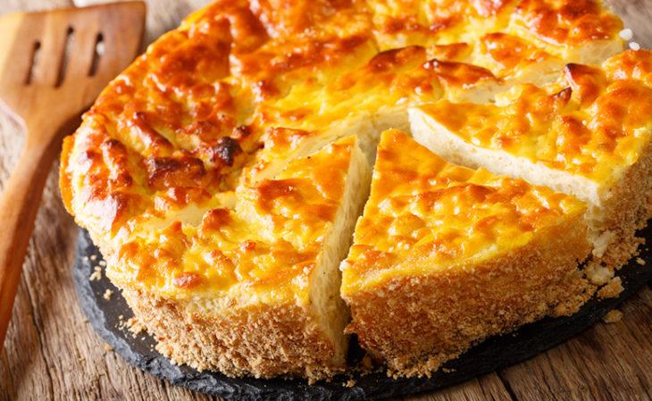 Bolo salgado de queijo coalho de liquidificador