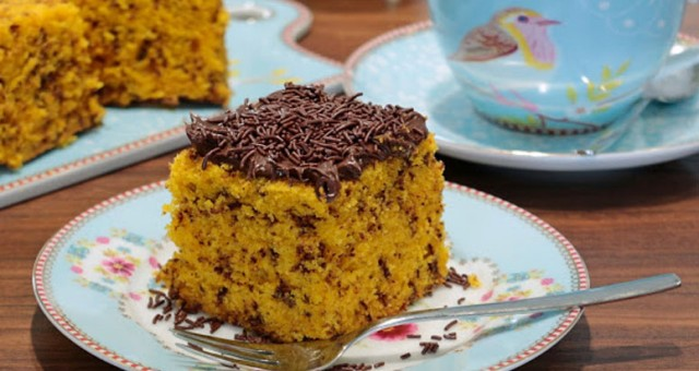 Receita de bolo formigueiro de cenoura