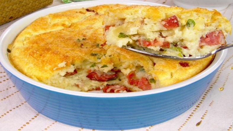 Torta de batata com calabresa, simples e fácil