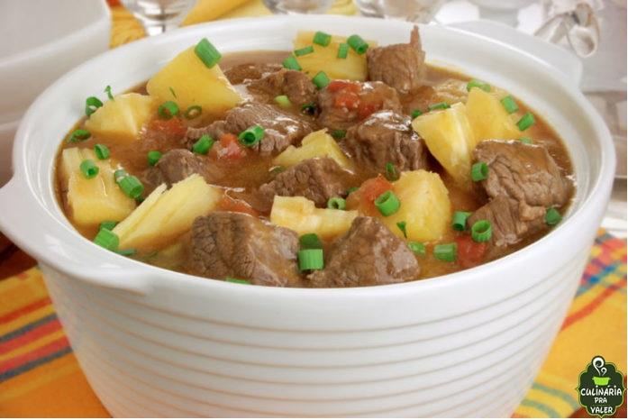 Sopa cremosa de costela com mandioca sensacional