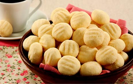 Biscoito de maisena com leite condensado uma delícia