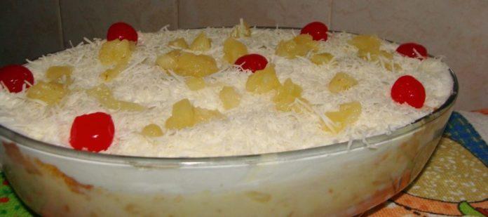 Bolo gelado de pirex com creme de leite ninho. aprenda a fazer essa maravilha!