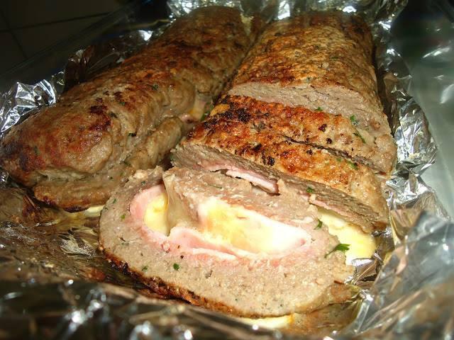 Rocambole de carne moída surpresa uma delícia