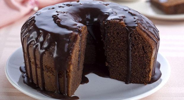 Bolo de chocolate vegano muito fácil