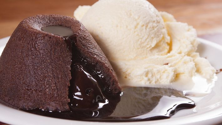 O verdadeiro petit gateau au chocolat chaud pratico