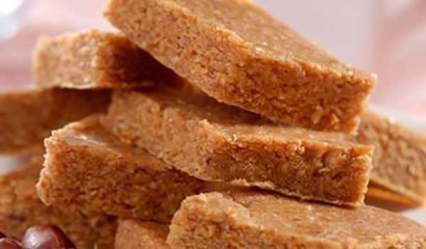 Paçoca de amendoim com leite condensado