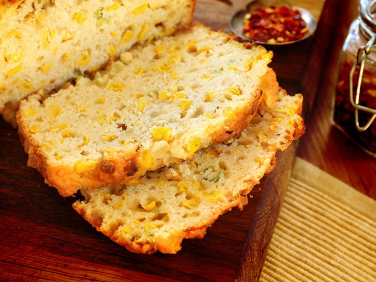 Pão de milho verde de latinha com leite condensado
