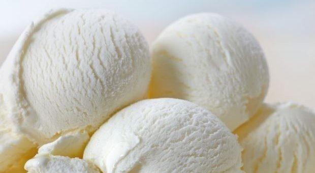 Sorvete caseiro de leite ninho fácil e prático
