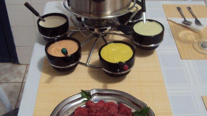 Molhos para fondue, carnes ou lanches - muito fácil de preparar
