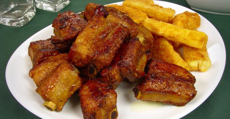 Costelinha ao molho barbecue igual dos restaurantes