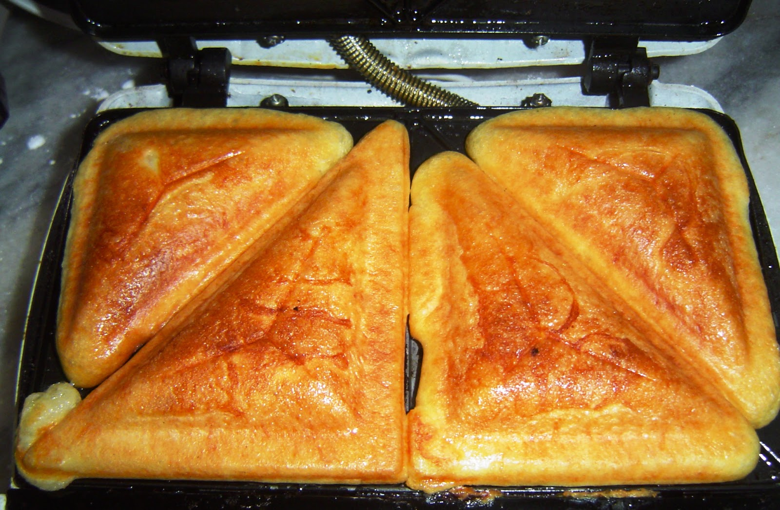 Pão de queijo de sanduicheira uma delícia