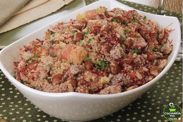 Farofa de carne seca com feijão