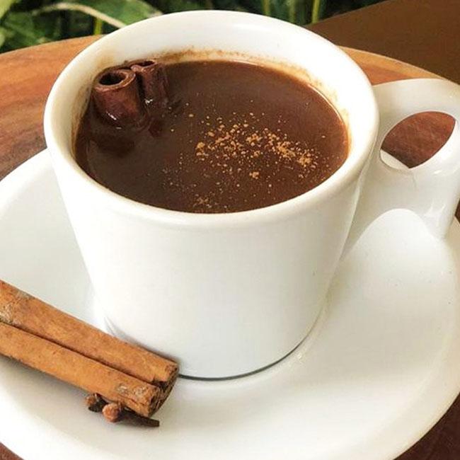 Chocolate quente com amido de milho